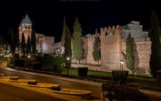 Paseo Fotográfico – La Muralla de Toledo de noche