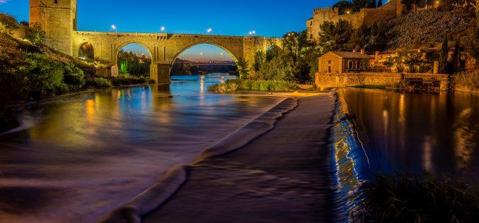 Reportaje Fotográfico – Las luces del Puente de San Martín y del Baño de la Cava