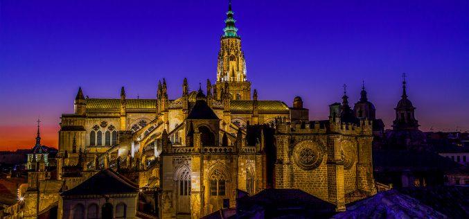 Reportaje Fotográfico – Los colores de la Catedral Primada de Toledo, al atardecer