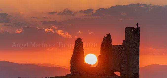 Provincia – Atardecer en el Castillo de Caudilla